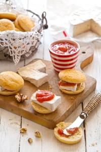 Savoury scones, brie and rhubarb chutney