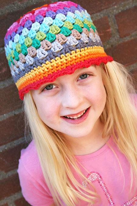 crochet-hat-rainbow