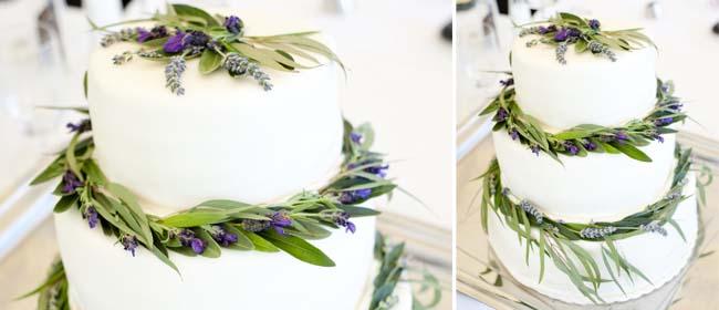 Simple cake decoration