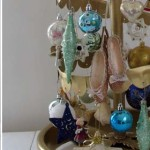 Make a vintage-style Christmas tree
