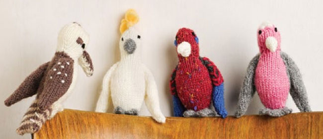 knit a pocket pal bird
