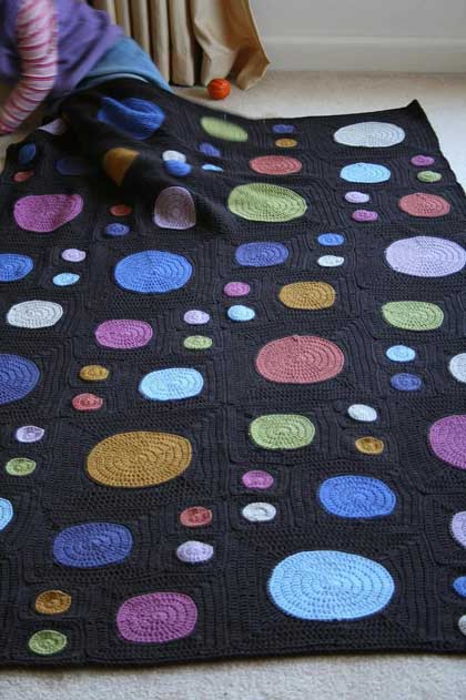 crochet-blanket-dots